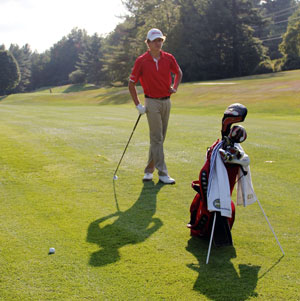 Mounties' Golf Places Third at Western Mass