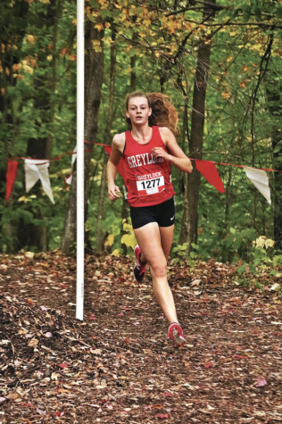 Wells and Seid lead Girls' and Boys' Cross Country Teams to Victories at Home